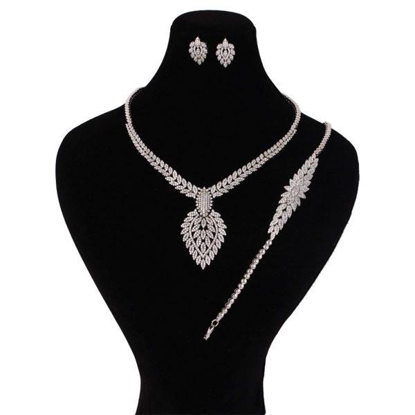 خرید سرویس نقره زنانه مدل لاریسا
